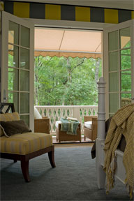 <b>Coordinating Home D&eacute;cor Inside and Out</b>&#8220;></td> <td> <p>(<a href=