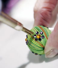 <b>The Newest Trends in Holiday Crafts</b>&#8220;></td> <td> <p>(<a href=
