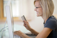 Consumers Turn to Money-Saving Web Sites