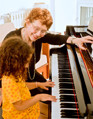 <b>Music Helps Students Excel in School, Life</b>&#8220;></td> <td> <p>(<a href=