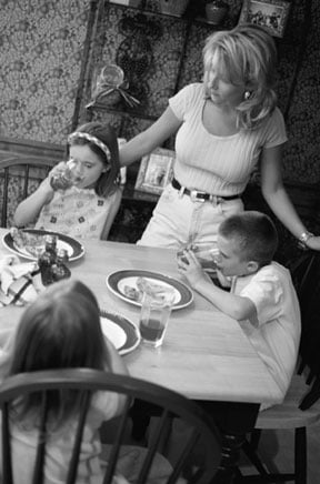<b>Chaos in the Kitchen? Tips For Getting Your Kids to Eat</b>&#8220;></td> <td> <p>(<a href=